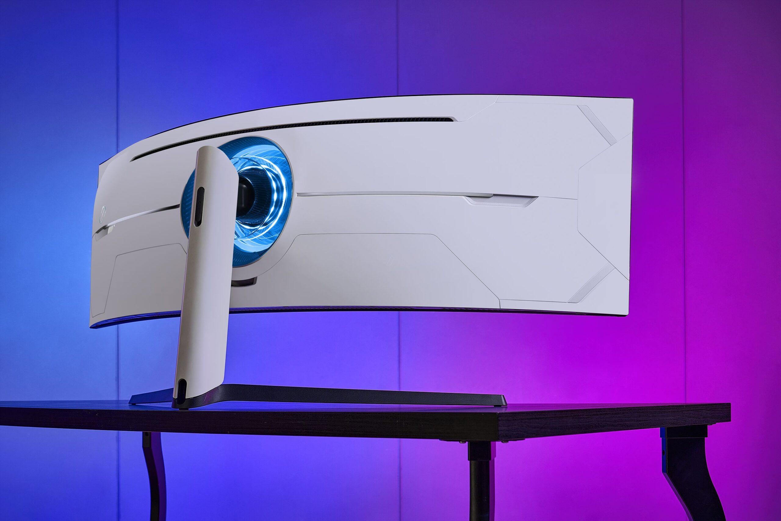 Samsung Odyssey G9: Presentato Il Nuovo Monitor Da Gaming Curvo, Con Prestazioni Elevate 2 - Hynerd.it